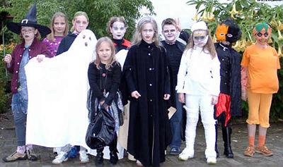 Kinder_feiern_halloween