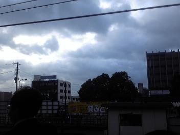 千葉県内は強風で電車がストップ