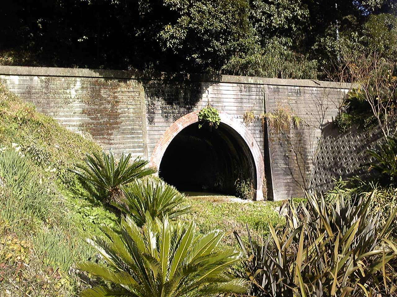 旧南無谷隧道2011