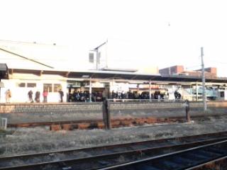 内房線八幡宿駅で人身事故、内房線に遅れ